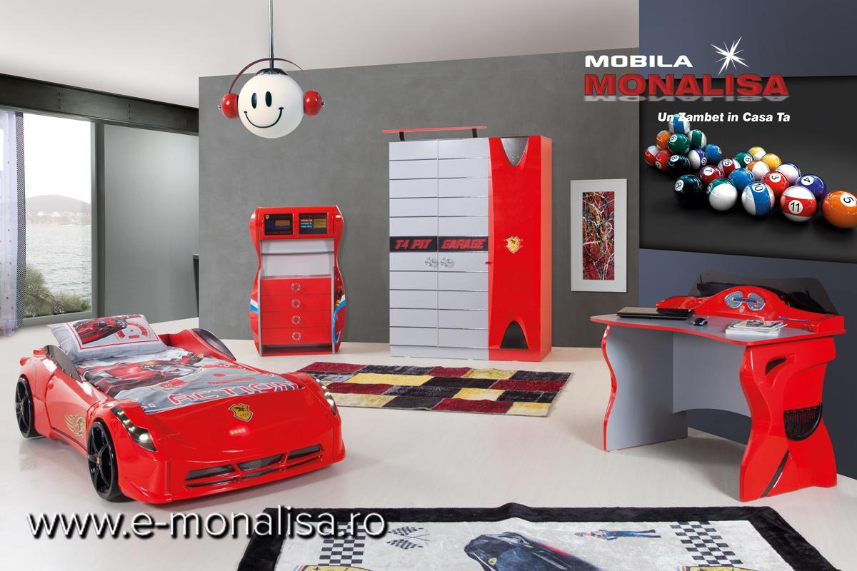 Amenajare Dormitor Copii cu Pat Masina Rosu Ferrari