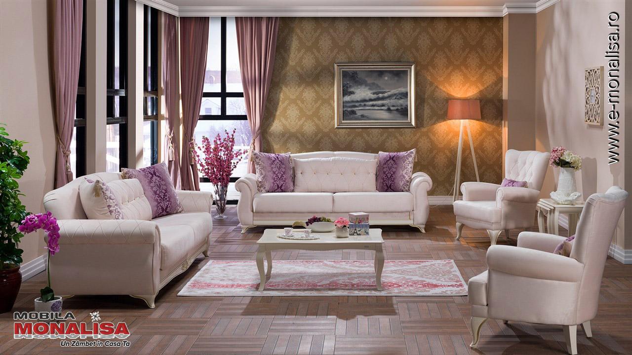 Amenajare living pe stil clasic, canapele crem de lux